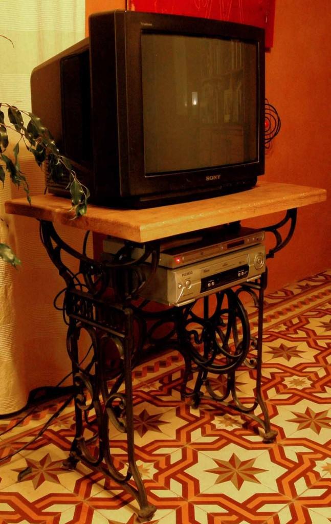 Meuble tv fortuna yannick lemesle for Meuble tv yannick