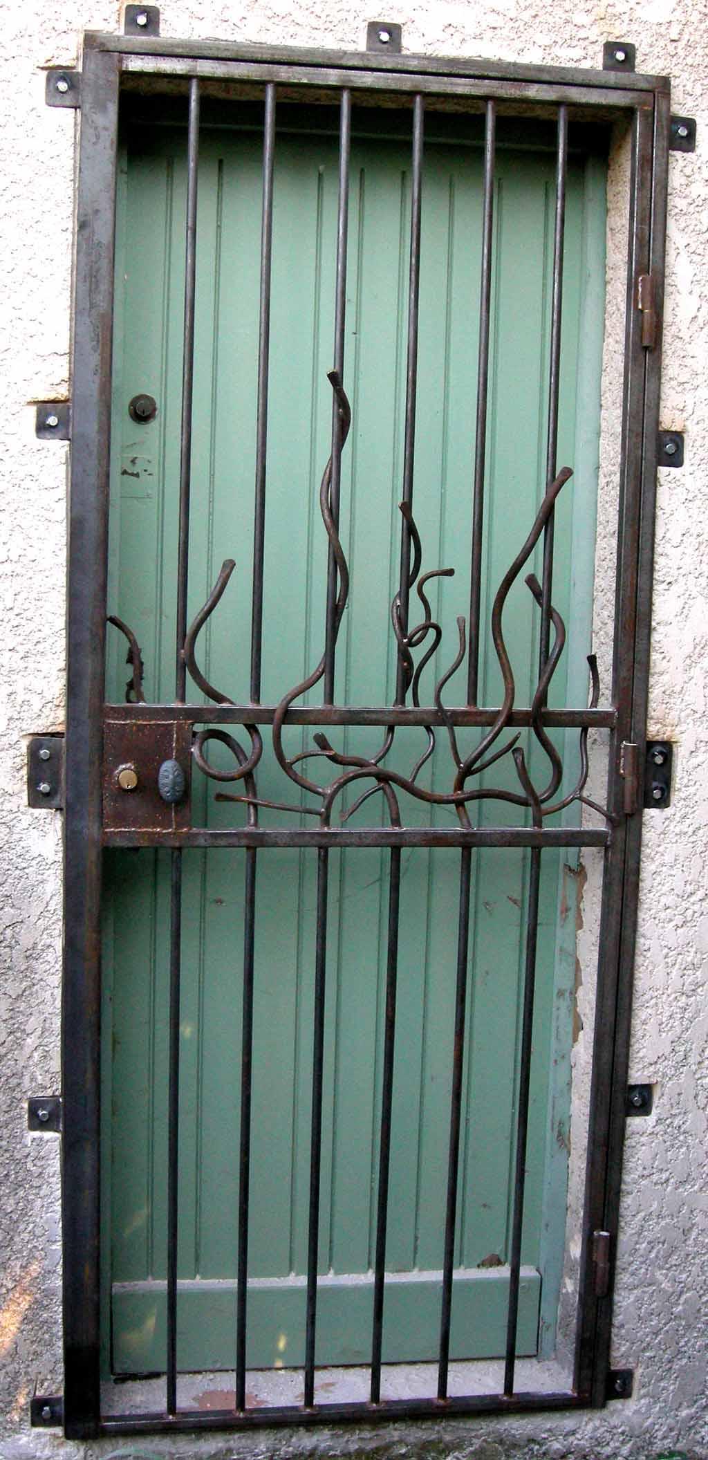 Grille de porte yannick lemesle for Porte yannick